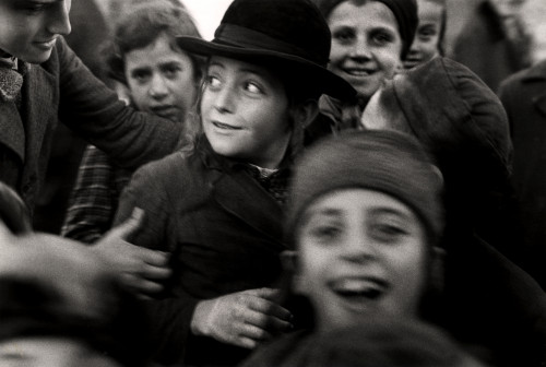 Roman Vishniac [Jewish schoolchildren, Mukacevo], ca. 1935–38. © Mara Vishniac Kohn, courtesy International Center of Photography