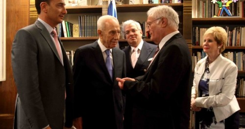 Meeting with President Shimon Peres; (l-r) Matthew Bronfman, Shimon Peres, Aaron Frenkel, Chaim Chesler, Sandra Cahn; courtesy Chaim Chesler.