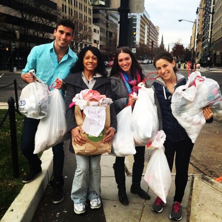 Univ. of Maryland students donating socks