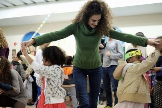 Beit Tefilah Israeli chanukah celebration with children of refugees in South Tel Aviv; courtesy BTI.