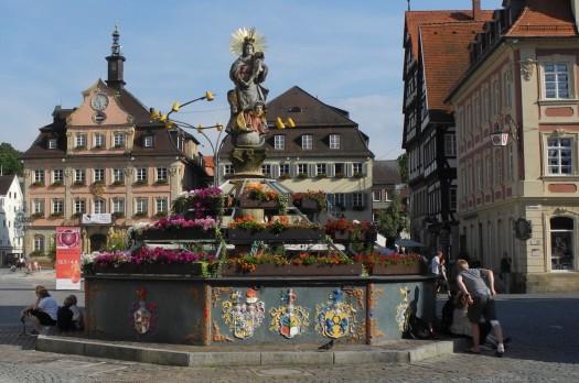 Schwaebisch Gmuend marketplace; photo Wikipedia.