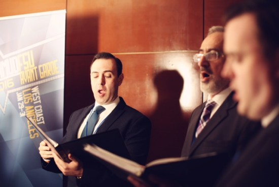 Hampton Synagogue (NY) singers led a moving Kabbalat Shabbat program.
