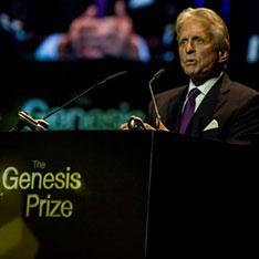 michael-douglas-accepting-genesis-prize-0615