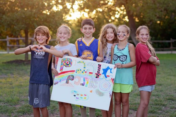 """Hebrew """"We love you"""" sign created as part of """"values of the week"""" program at Camp Young Judaea Texas. Photo by Rachel Kelemen."""