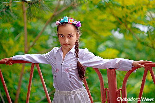 As part of a special arrangement, 10-year-old Katya Ivanova attended Gan Israel Rostov with her grandmother, an experience that changed her young life.